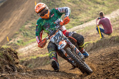 Motocross jeździec w rasie Obrazy Stock