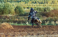 Motocross MX jeźdza jazda na drodze polnej Fotografia Stock