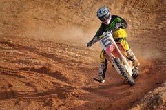 Motocross nimmt eine Ecke Lizenzfreies Stockbild
