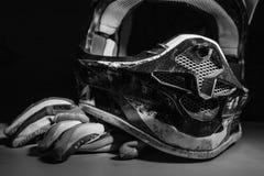 Motocross rękawiczki i hełm Obraz Stock