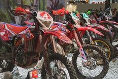 Motocrossfietsen bij EICMA 2014 in Milaan, Italië Stock Fotografie