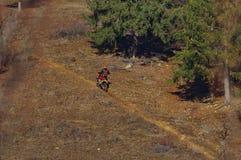 Motocrossrennläufer 6 lizenzfreie stockfotografie
