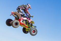 Motocrross em Letónia, no motorista e na motocicleta Foto do curso Imagens de Stock Royalty Free