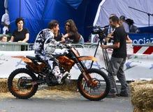 Motocrós 2009 del estilo libre. Déme cinco Fotografía de archivo