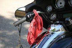 Motocyclette avec l'accessori de cycliste Images stock