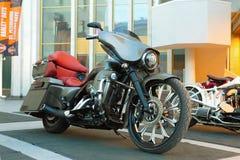 Motocyclette faite sur commande sur le Russe Harley Days, St Petersburg image stock
