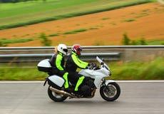 Motocyclette sur l'omnibus images stock