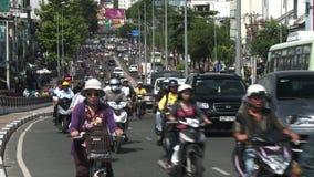 Motocyclettes en Ho Chi Minh City, Saigon, Vietnam banque de vidéos