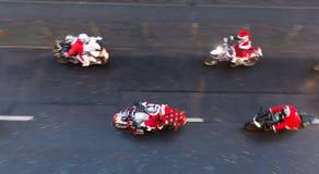 Motocycliste dans des costumes de Noël, Berlin, Allemagne photos stock