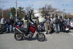 Motocyclistes se réunissant à Bucarest Photo stock