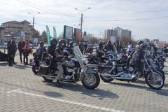 Motocyclistes se réunissant à Bucarest Photographie stock