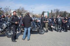 Motocyclistes se réunissant à Bucarest Photo libre de droits