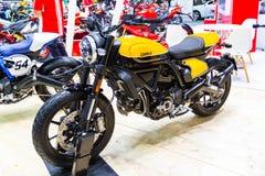Motocykl «DUCATI Scrambler «motocykl wystawa przy Międzynarodowym Motorowym przedstawieniem obraz stock