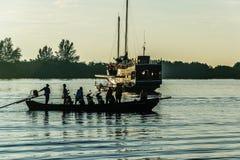 Motocykl w łodzi fotografia stock