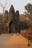 Motocykle i Tuków tuks urlop Angkor Thom Obrazy Stock
