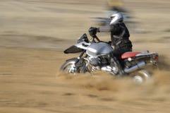 motocyklista blured zejdźcie z drogi Fotografia Stock