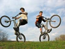 motocyklista góra dwa obrazy royalty free