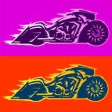 Motocyklu Bagger wektorowy ilustracyjny styl, Baggers obyczajowy motocykl zakrywający w płomieniach royalty ilustracja