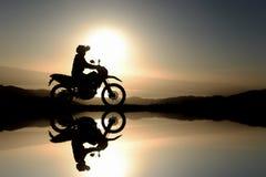 motocyklu kierowca, eksploracja i nowe wycieczki, fotografia stock