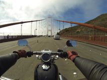 Motocyklu rejs wzdłuż linii brzegowej Zdjęcia Royalty Free