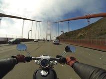 Motocyklu rejs wzdłuż linii brzegowej Obrazy Royalty Free