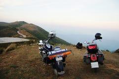 Motocyklu siekacz przy górą w Kanchanaburi Tajlandia Obraz Stock