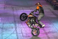 Motocyklu wyczynu kaskaderskiego przedstawienie Zdjęcia Stock