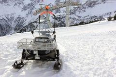 Motoneige Le Fellhorn en hiver Alpes, Allemagne Photographie stock