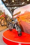 Motopark-2015 (BikePark-2015) Der Ausstellungsstand des Rennläufers Der Motorrad Rennläufer-Kreuzer RC250LV Lizenzfreie Stockfotos