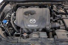 Motor av använda Mazda 3 Royaltyfria Bilder