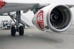 Motor av det moderna passagerarestrålflygplanet Royaltyfria Bilder