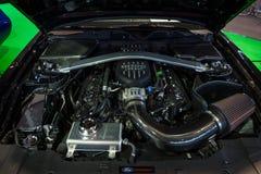 Motor av `en U för Ford Mustang GT `-krigare S Special upplaga för armé, 2014 Royaltyfri Foto