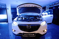 Motor av nyligen lanserade Mazda CX-9 i Singapore Arkivbilder