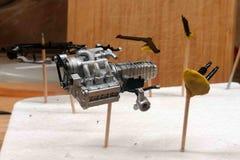 Motor, caixa de engrenagens, elementos da suspensão, correia de sincronismo Conjunto em grande escala dos modelos Peças plásti foto de stock