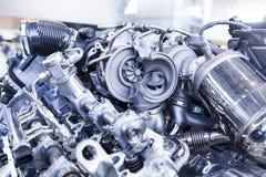 Motor de automóveis do turbocompressor que mostra as peças e a turbina internas Foto de Stock
