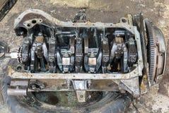 Motor de automóveis sujo velho Fotos de Stock Royalty Free