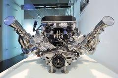 Motor del Fórmula 1 de BMW V10 en la exhibición en el museo de BMW Foto de archivo