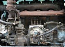 Motor diesel de un tractor viejo Imágenes de archivo libres de regalías