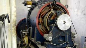 Motor do elevador na ação video estoque