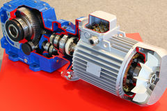 Motor eléctrico con los engranajes foto de archivo libre de regalías