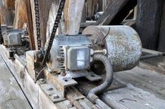 Motor elétrico oxidado velho fotos de stock