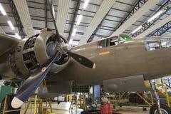 Motor en propellerwereldoorlog 2 van het close-up retro vliegtuig Stock Afbeeldingen