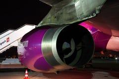 Motor för Wizz Air flygbuss A320 Royaltyfri Foto