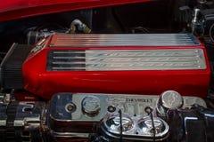 Motor het Korvet (C3) Pijlstaartrog van van sportwagenchevrolet, close-up Stock Afbeeldingen