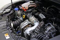 Motor innerhalb eines Autos Lizenzfreie Stockfotografie