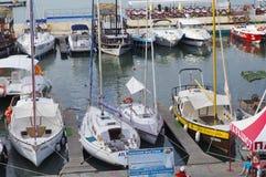 Motor- och seglingyachter Royaltyfri Fotografi
