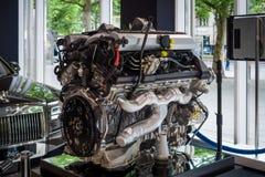 Motor V12 DOHC (BMW N73) av Rollset Royce Arkivbild