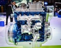 Motor van een auto op vertoning Royalty-vrije Stock Afbeeldingen
