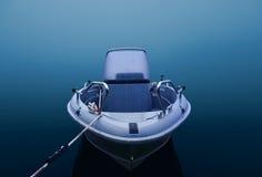 Motora en niebla azul y gruesa Imagen de archivo libre de regalías