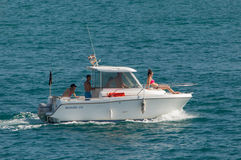 Motorbåt i havet Royaltyfri Fotografi